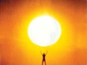 tomando-sol-para-generar-la-vitamina-d-300x224